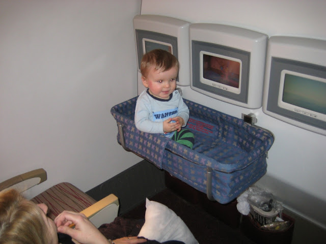 Bassinet In Airplane5
