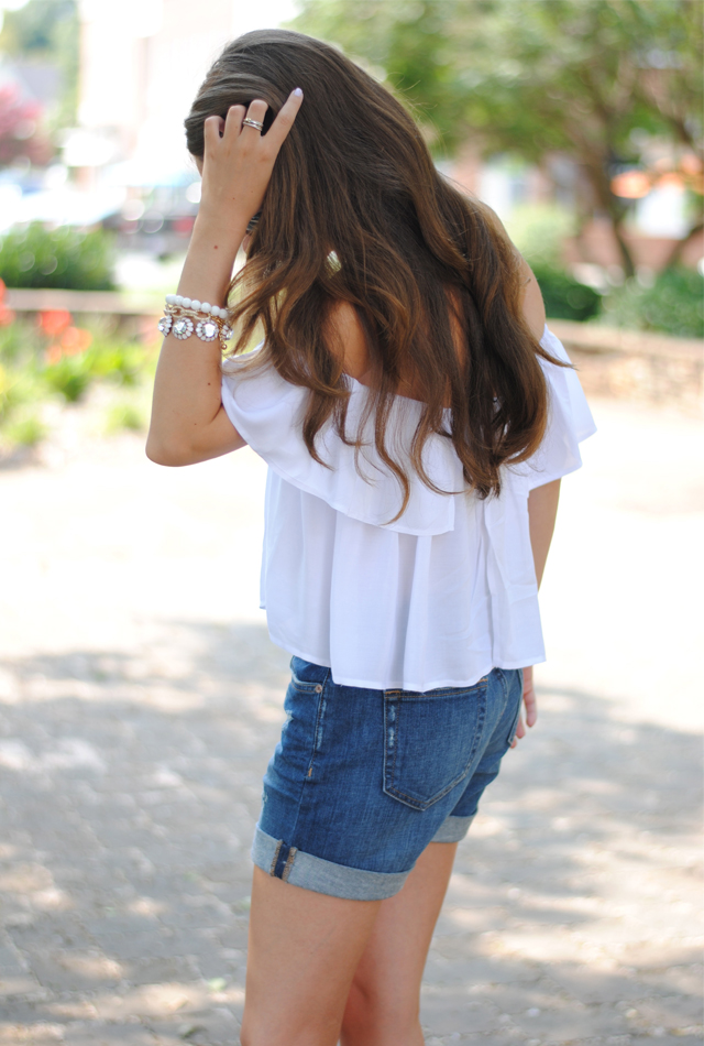 Perfect summer look, white crop top