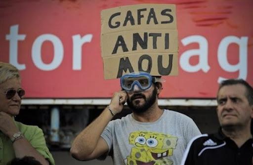 Zaragoza fan introduces Anti-Mourinho glasses