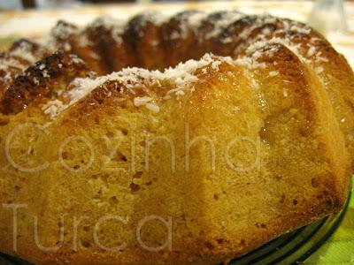 Bolo de Limão e Côco (Limonlu Hindistancevizli Kek)