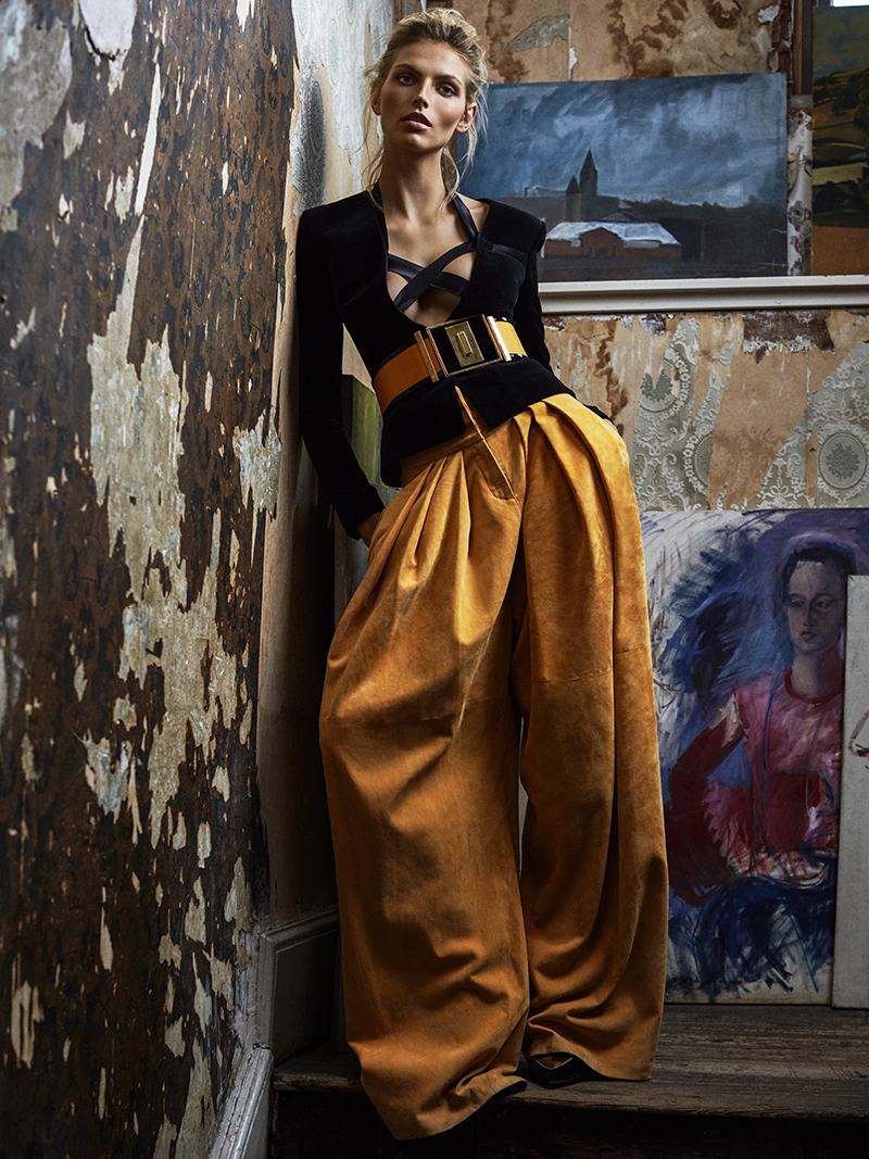 Karlina Caune in Telva November 2015 (photography: Tomas de la Fuente, styling: Gabriela Bilbao, hair + make-up: Ivan Gomez) via www.fashionedbylove.co.uk