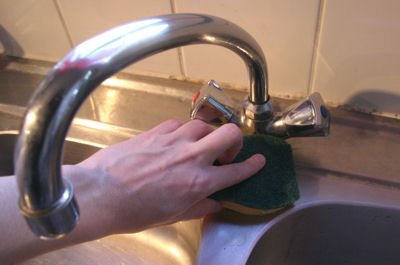 Rinse the faucet to remove all traces of limescale