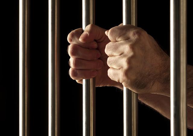 Bandidos são presos após assaltar casal no conjunto João Alves