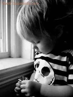صور اطفال حزينة للغاية