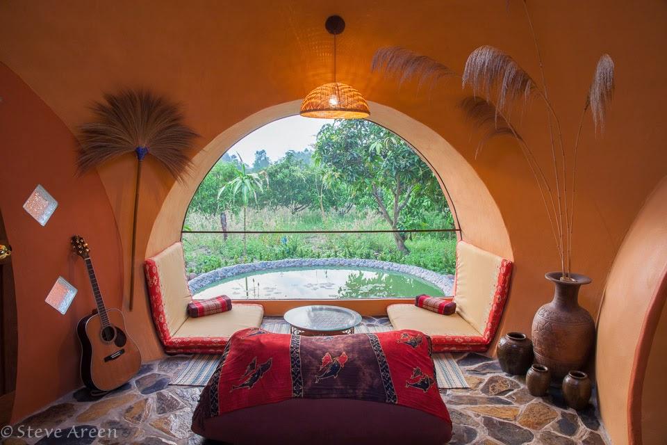06-Sitting-Room-Steve-Areen-Hajjar-Gibran-Dome-House-Design-www-designstack-co