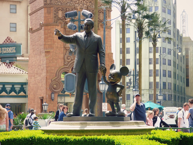 statue walt disney et mickey