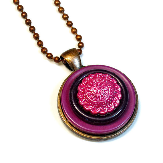 button pendant
