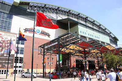 Cactus Bowl returning to Chase Field for 2015 college football season.