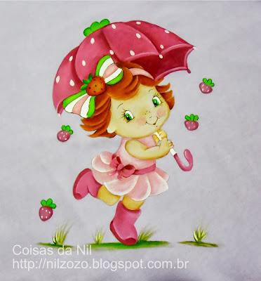 lençol de berço com pintura da moranguinho com guarda chuva