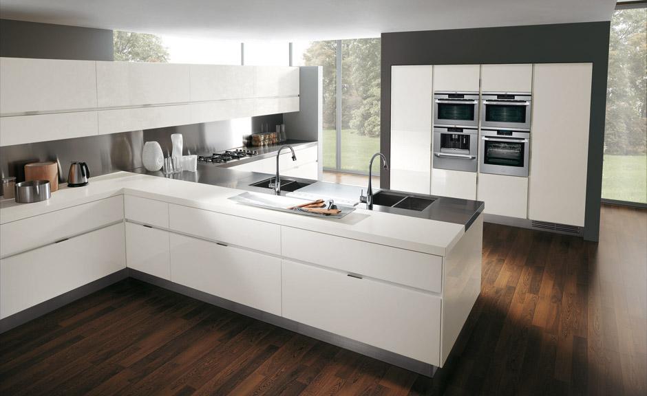 La isla y la peninsula en las cocinas for Cocina 18 metros cuadrados