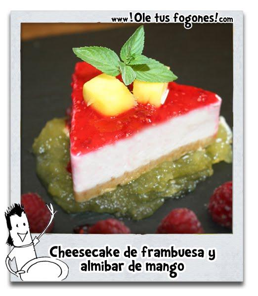 Cheesecake de frambuesa y almibar de mango