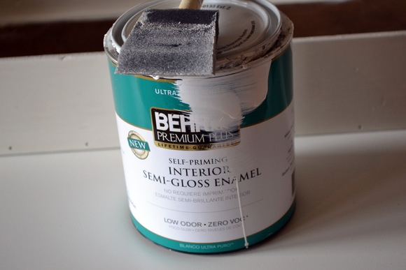 Behr Self Priming Interior Semi-Glosee Enamel White: Antique Toolbox Makeover | DIY Playbook