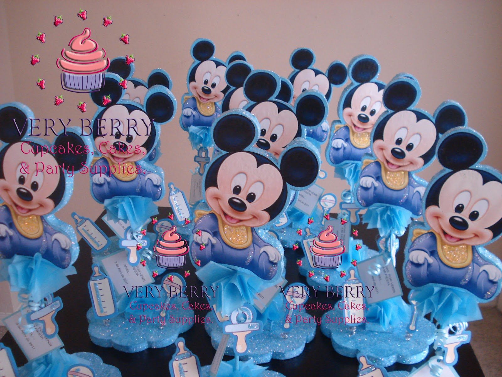 Mickey Mouse Baby Shower Cupcakes 1600 x 1200