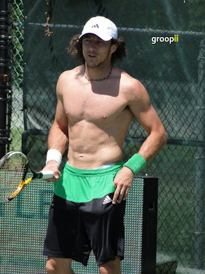 Juan Monaco Shirtless at Cincinnati Open 2010