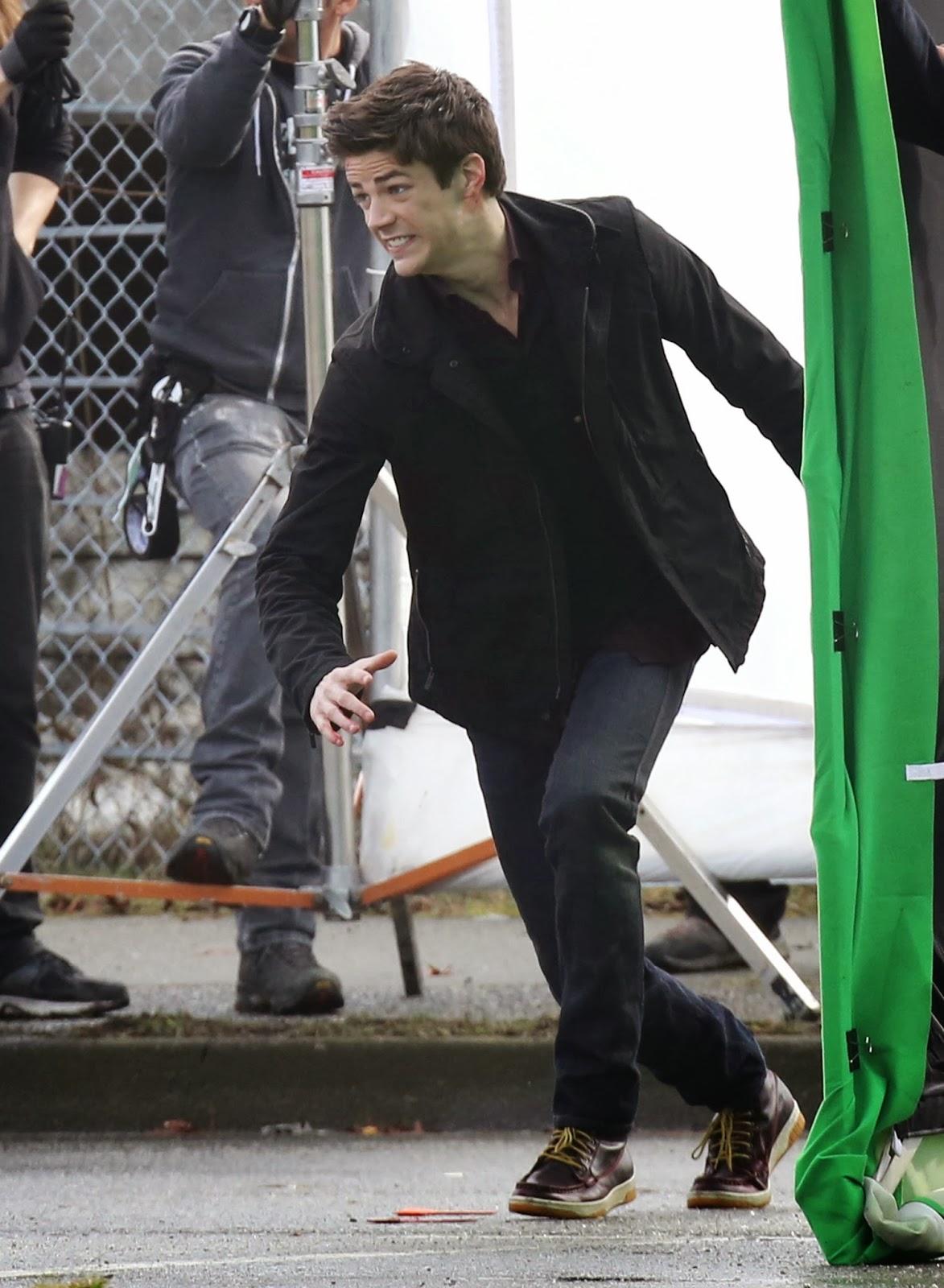 imágenes de Grant Gustin en el rodaje de The Flash