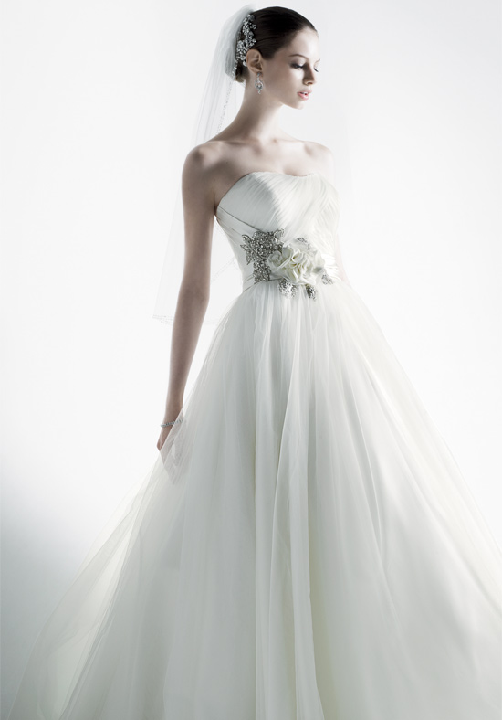Fashion and stylish dresses blog davids 39 bridal wedding for Wedding dress david bridal