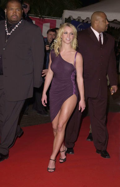 britney spears sizzling hot on the red carpet