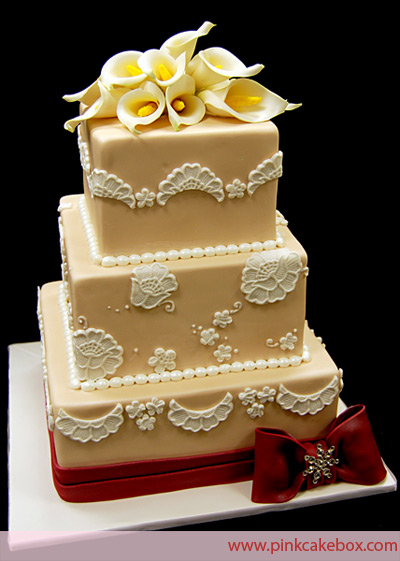 Pictures Wedding Cakes on Beautiful Bridal  Gold Wedding Cakes