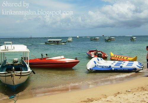 Mencoba Water Sport di Objek Wisata Pantai Tanjung Benoa Bali