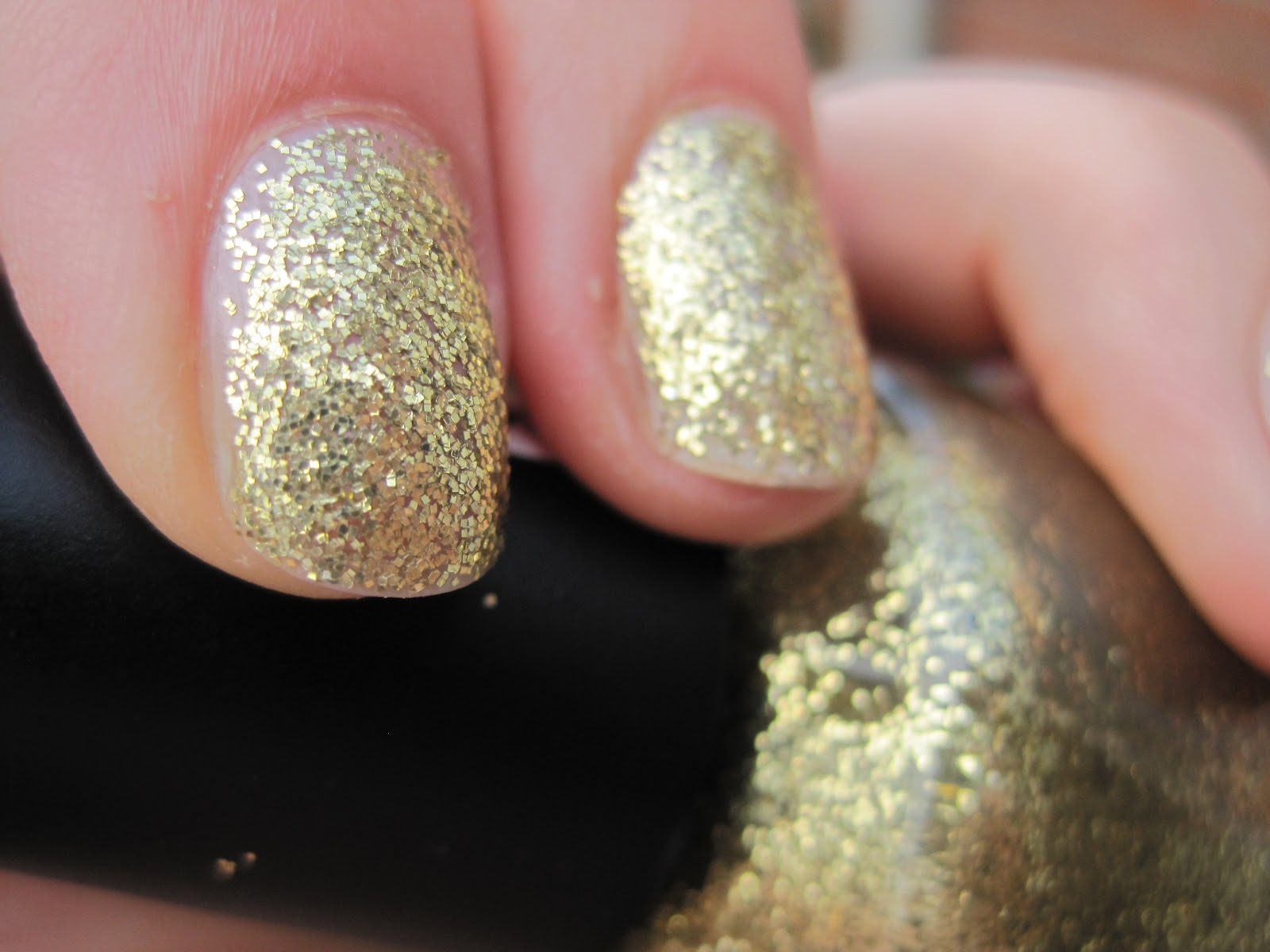 The Treasure Chest: Nail Of The Day : W7 Gold Dazzle