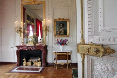 maison de lin en visite chez marie antoinette. Black Bedroom Furniture Sets. Home Design Ideas