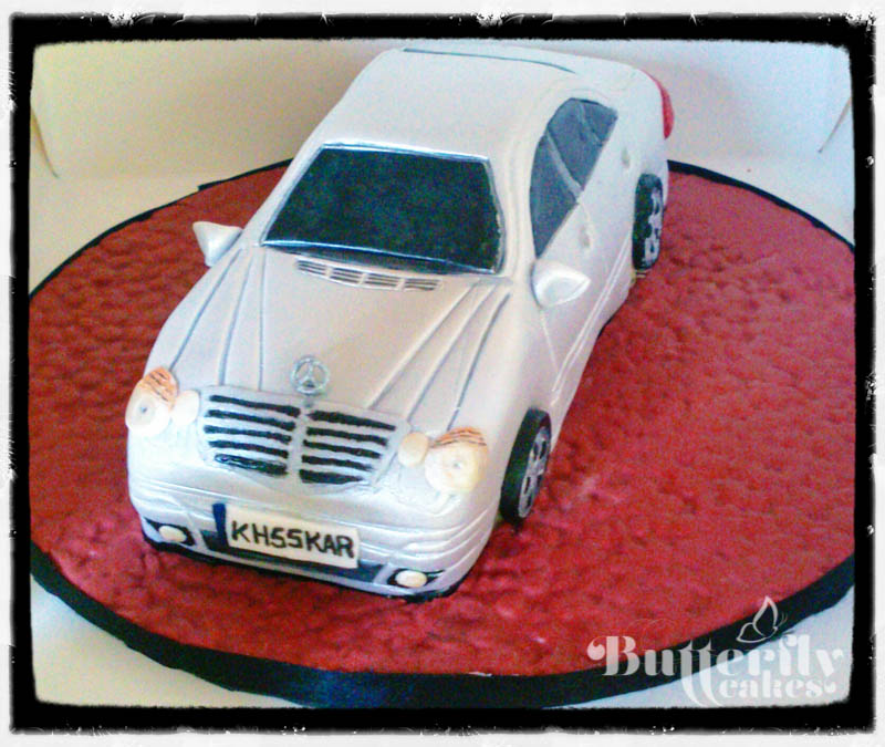 Mercedes benz cake 3 on pinterest fondant for Mercedes benz cake design