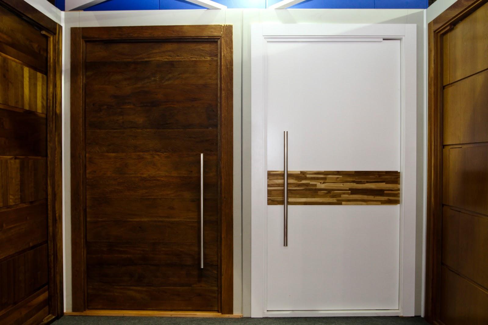 #113891 portas de madeira de alto padrão expostas na feicon batimat 2013 em  1636 Janela De Alumínio Joinville
