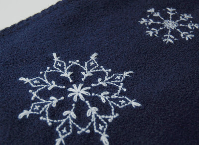 Free Snowflake embroidery pattern SeptemberHouse
