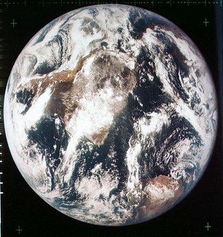 5 Menganalisa Peristiwa Pendaratan Manusia Pertama Kali Di Bulan