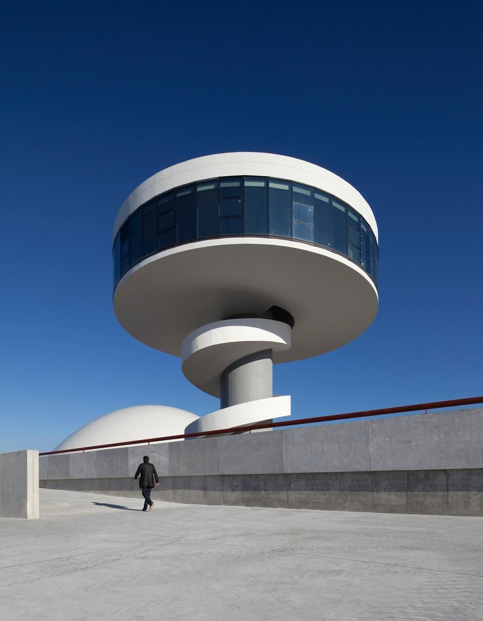 architecture by oscar niemeyer in spain modern design by