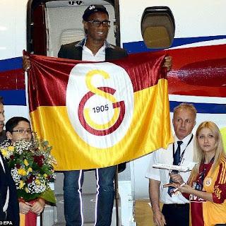 استقبال كبير من نادي جالطة سراي التركي للنجم الايفواري ديدية دروجبا عقب وصوله الي تركيا اليوم