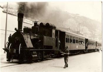 Tren con Locomotora de vapor años 50