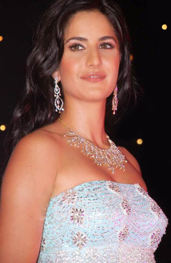 katrina kaif hot wallpapers 2011. katrina kaif hot wallpapers