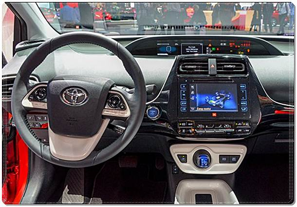 2016 Toyota Prius Made in Japan