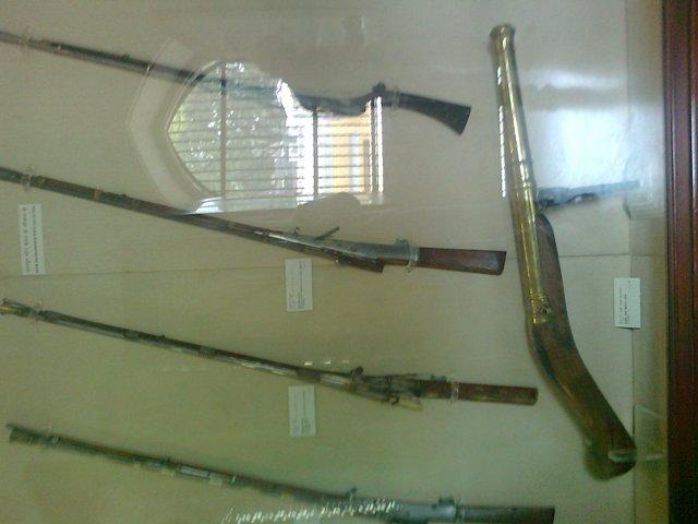 arms in albert museum