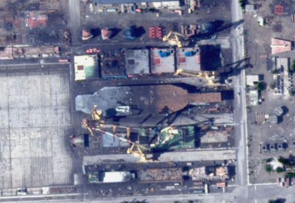 Kapal induk tiruan Iran
