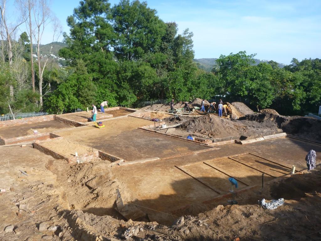 immobilie in knysna - projekt hausbau: verlegen der wasserleitungen