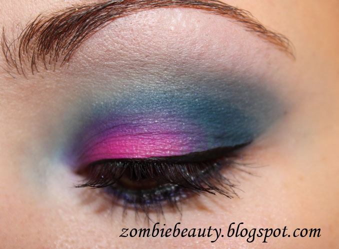 Zombie Beauty Medusa Makeup Electro Pink And Turquoise Eye Shadow