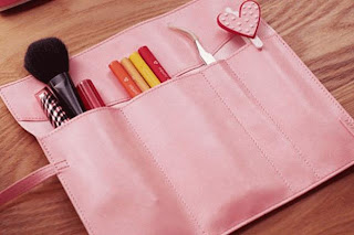 Dompet Make Up