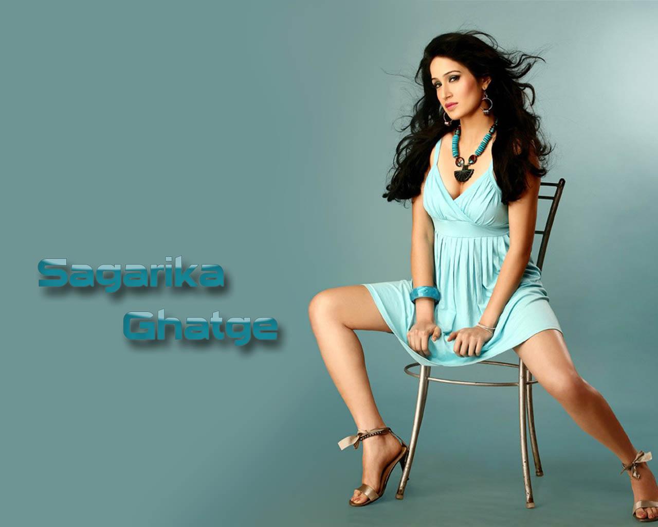 http://4.bp.blogspot.com/-Pn825LD5ens/UHj8fAGiS3I/AAAAAAAAASk/bFfWaKQY8HQ/s1600/Sagarika+Ghatge+Wallpaper.jpg