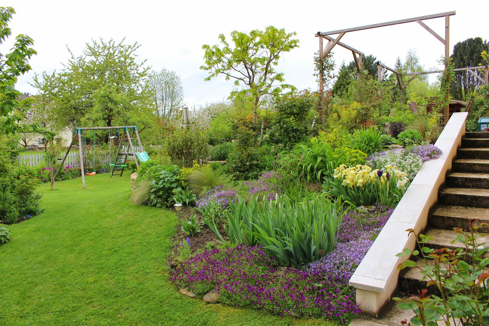 Notre jardin secret toute la pluie tombe sur moi for Jardin secret wine