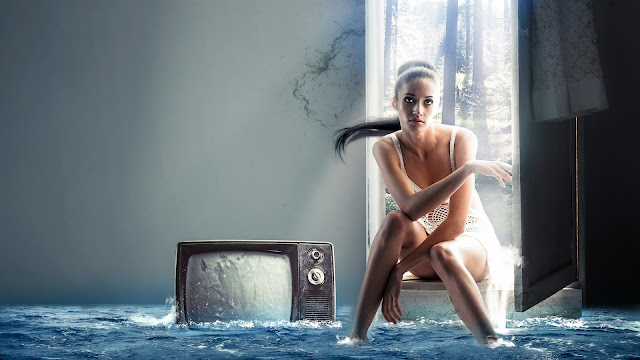 Creative Design Girl Television Water In The House HD Wallpaper