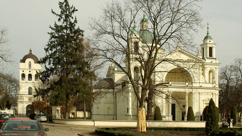 Wilanów Kościół św. Anny dzwonnica