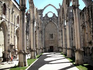 Nave+Central+da+Igreja+do+Convento+do+Carmo+-+Lisboa+02.jpg (1600×1200)