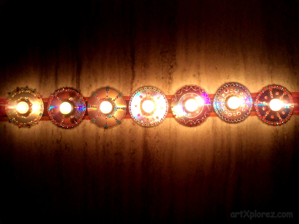 Animated diwali diya pictures images wallpapers for Decorative items from waste cd
