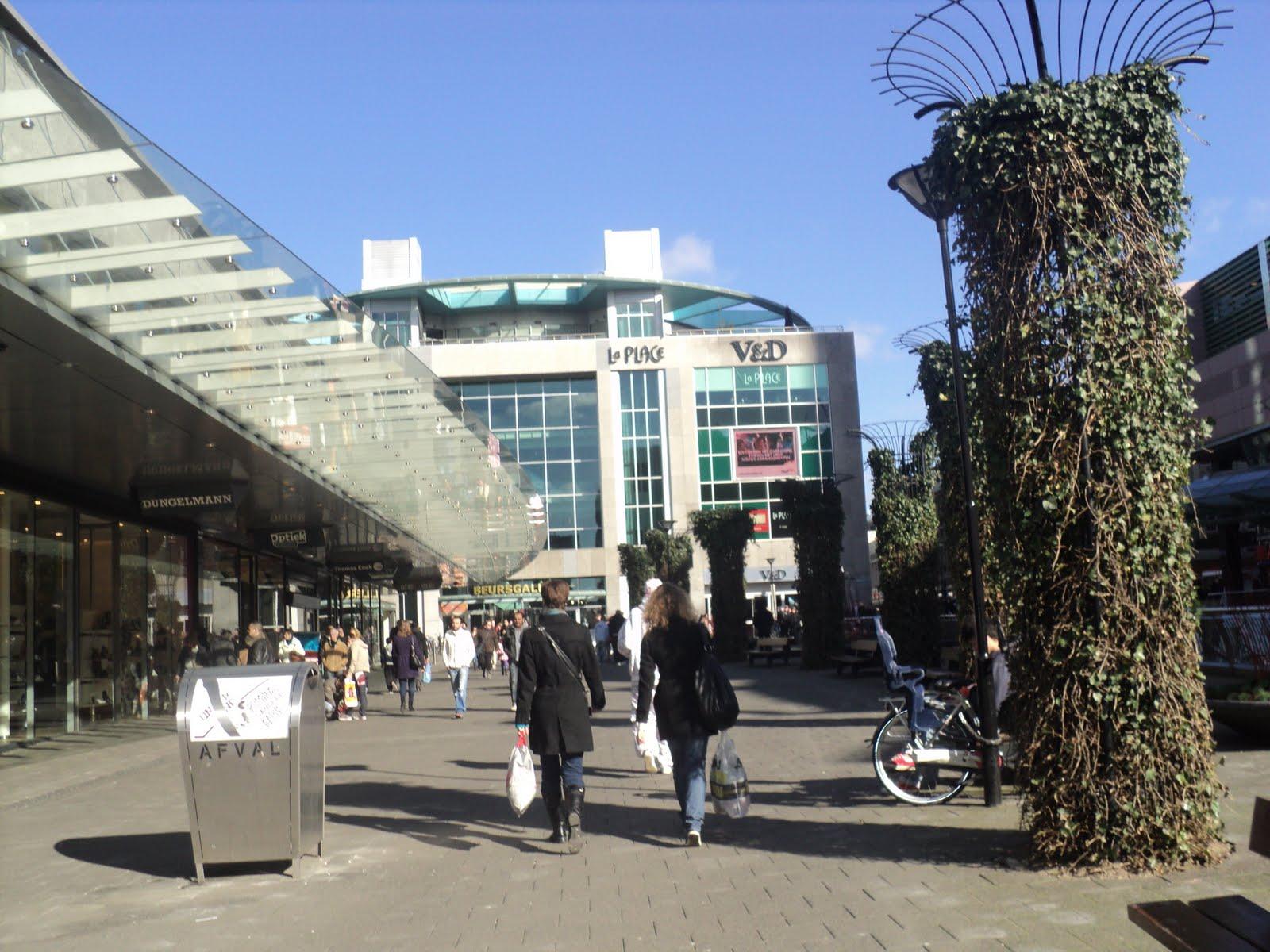 pusat_perbelanjaan_centrum