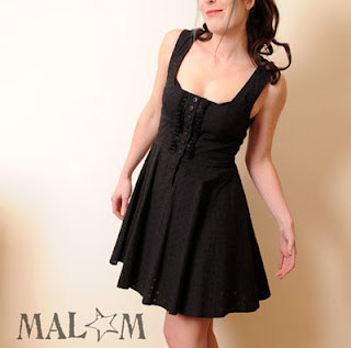 robe noire soirée capuche de lutin
