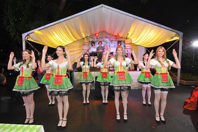 Oktoberfest 2014 Malaysia Carlsberg Saujana dirndl chicken dance