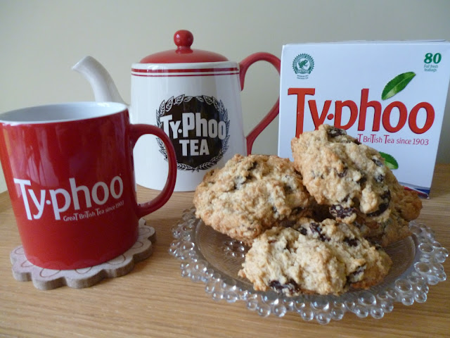 Recipe Tea and Raisin Spiced Buns