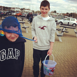 Crabbing at Mudeford Quay